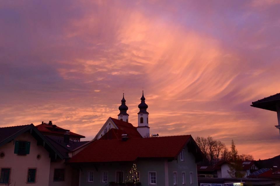 Aschau im Chiemgau, Sonne, Abendsonne, Abendstimmung, Kirche,