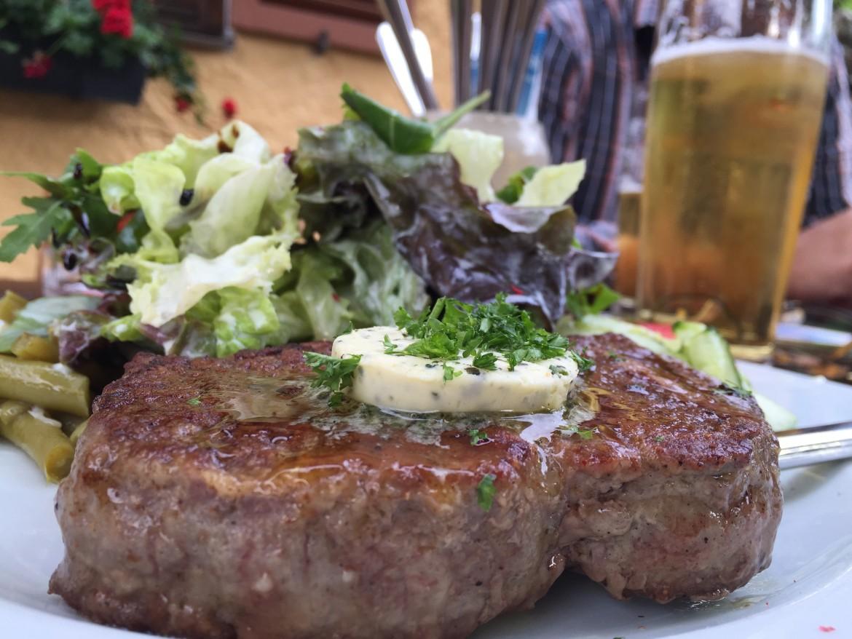 Ratskeller, Aschau, Lolabar, Biergarten, Aschau im Chiemgau, Biergärten Chiemgau, Schnitzel, Schweinebraten, Steak